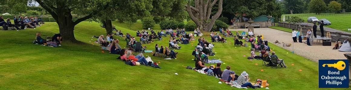 An open air audience